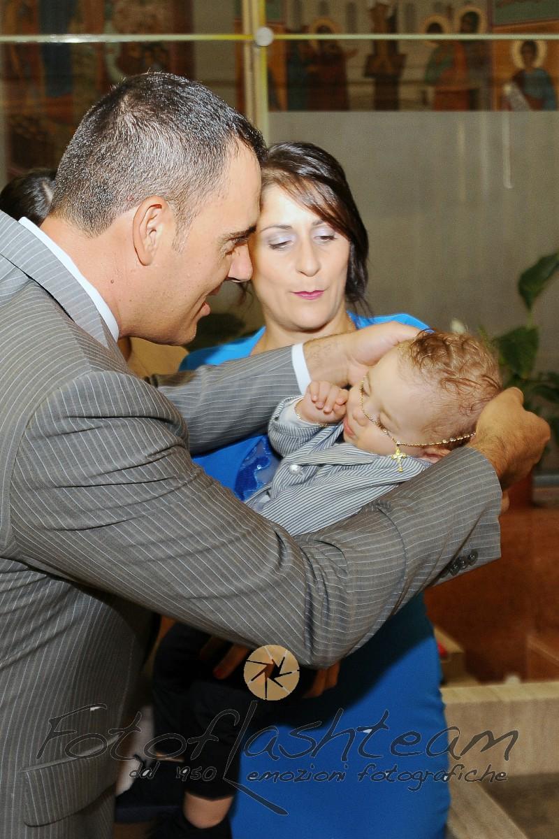 Bambino e Genitori Fotografo Battesimo Roma Fotoflash