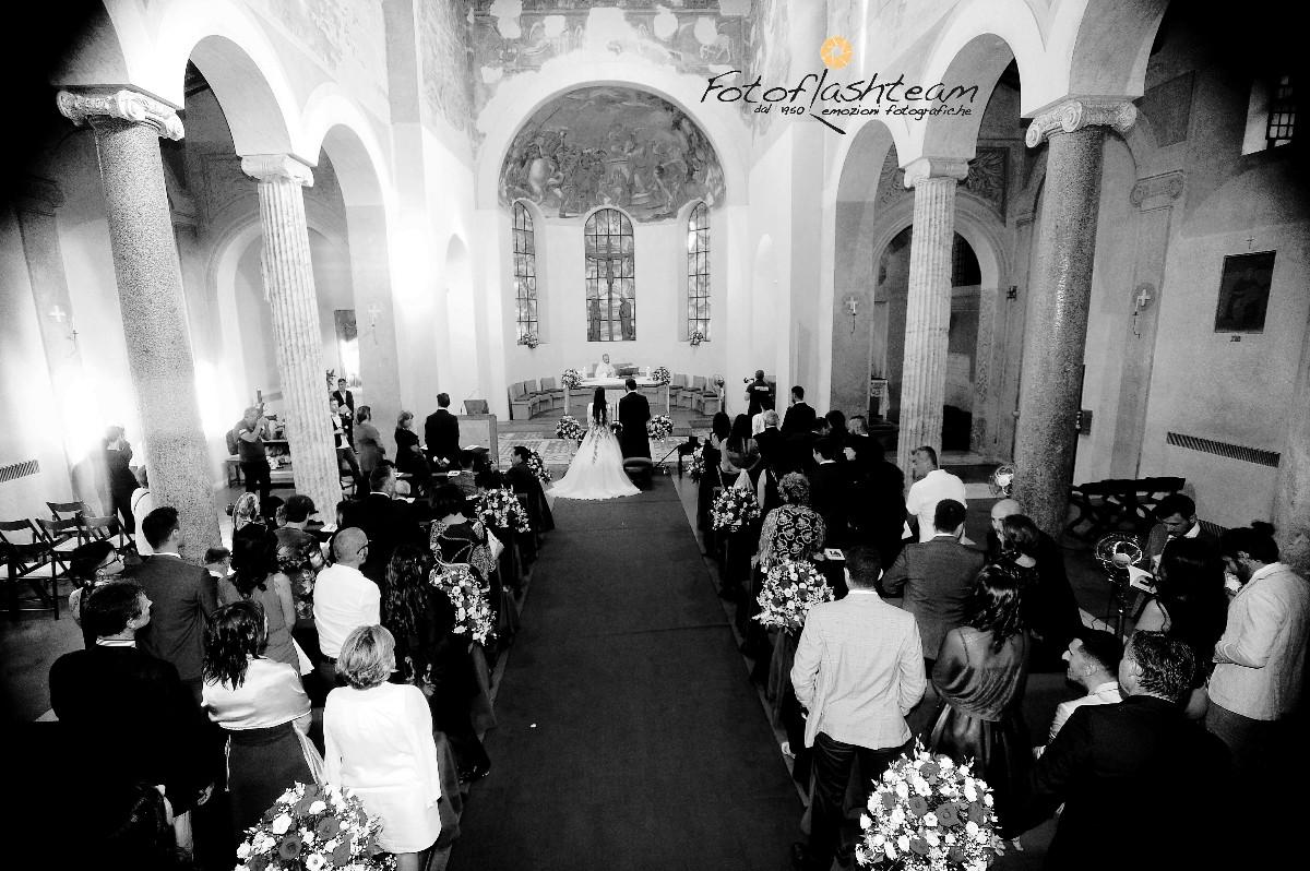 Chiesa sposi matrimonio fotografo roma Fotoflashteam