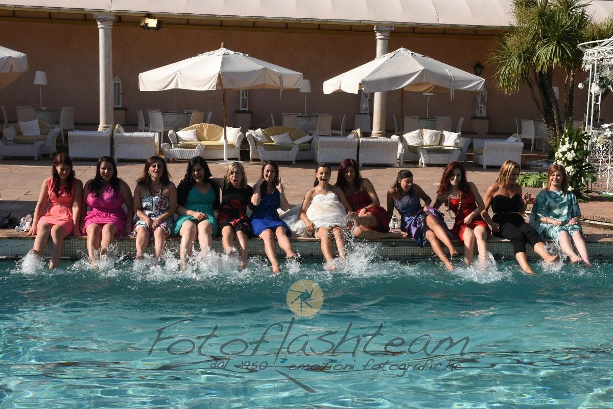 Matrimonio ricevimento all'aperto piscina
