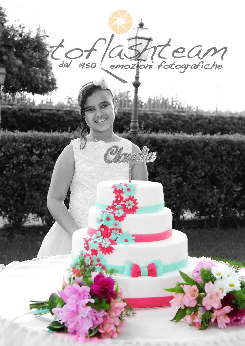 Bambina festeggiamenti giardino torta Servizio Fotografico Comunione Roma fotografo Fabio Riccioli