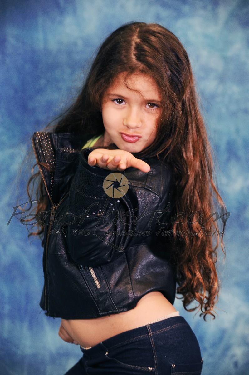 Bambina servizio foto in studio Roma Fotoflash team Fabio Riccioli