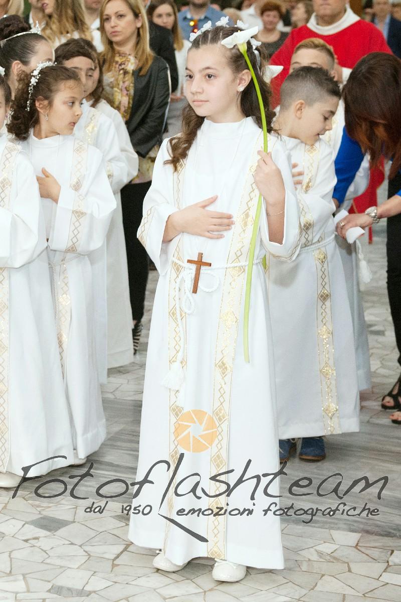 Cerimonia chiesa bambini Fotografo Comunione Roma specializzato Fabio Riccioli