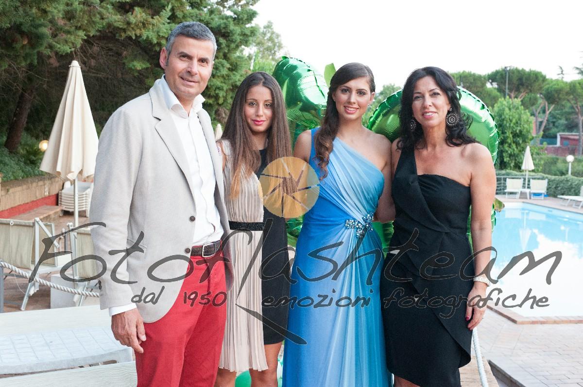 Famiglia festeggiata Fotografo diciottesimo Roma