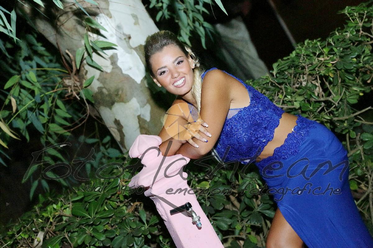 Foto esterno giardino festeggiata 18 anni Fotografo specializzato diciottesimo Roma