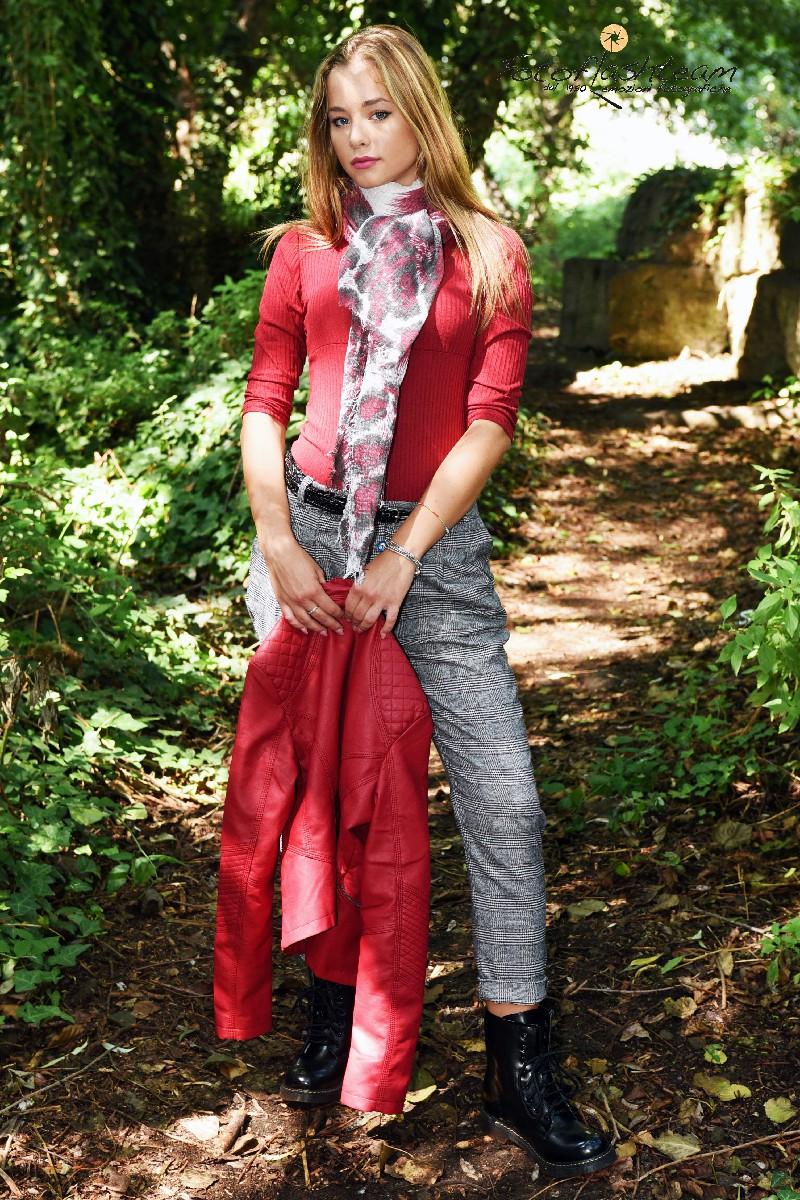Servizio fotografico Modella Roma fotografo specializzato moda casting book foto