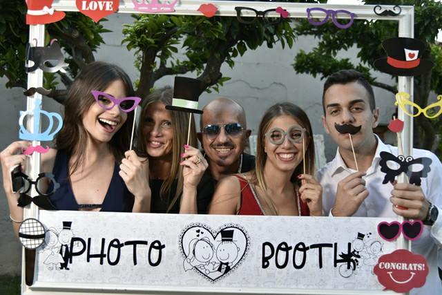 Invitati nozze foto cornice cartello divertente Photo Booth Matrimonio Roma realizzazione Fotoflashteam