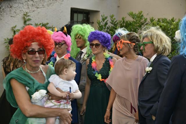 Photo Booth ricevimento Matrimonio Roma foto cornice parrucche occhiali invitati Fotoflashteam