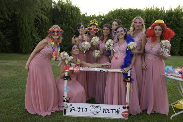 Photo Booth ricevimento Matrimonio Roma ideazione foto parrucche damigelle Fotoflashteam