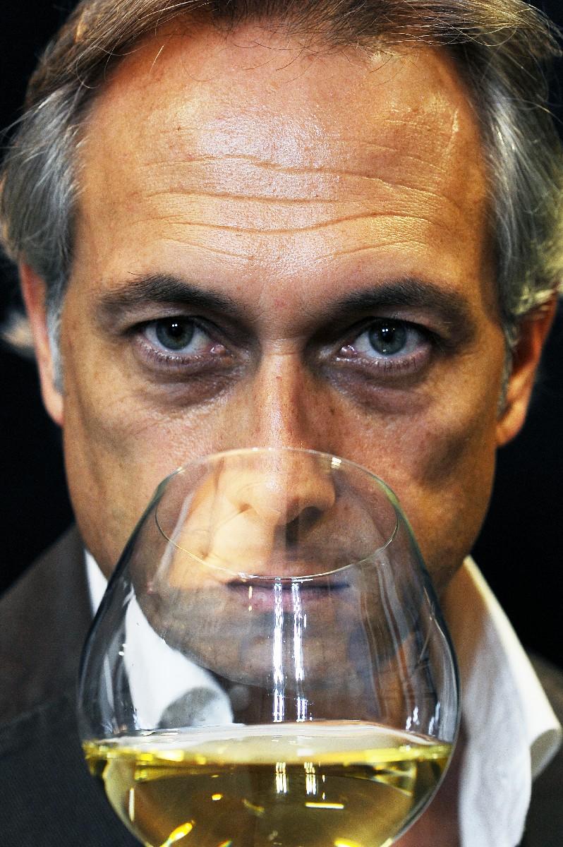 Realizzazione Servizio foto pubblicitarie per aziende vinicole cantine Influencer Roma fotofrafo Fotoflashteam