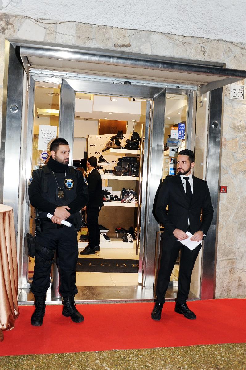 negozio moda reportage inaugurazione Fotografo specializzato nuova apertura esterno Roma Fotoflashteam