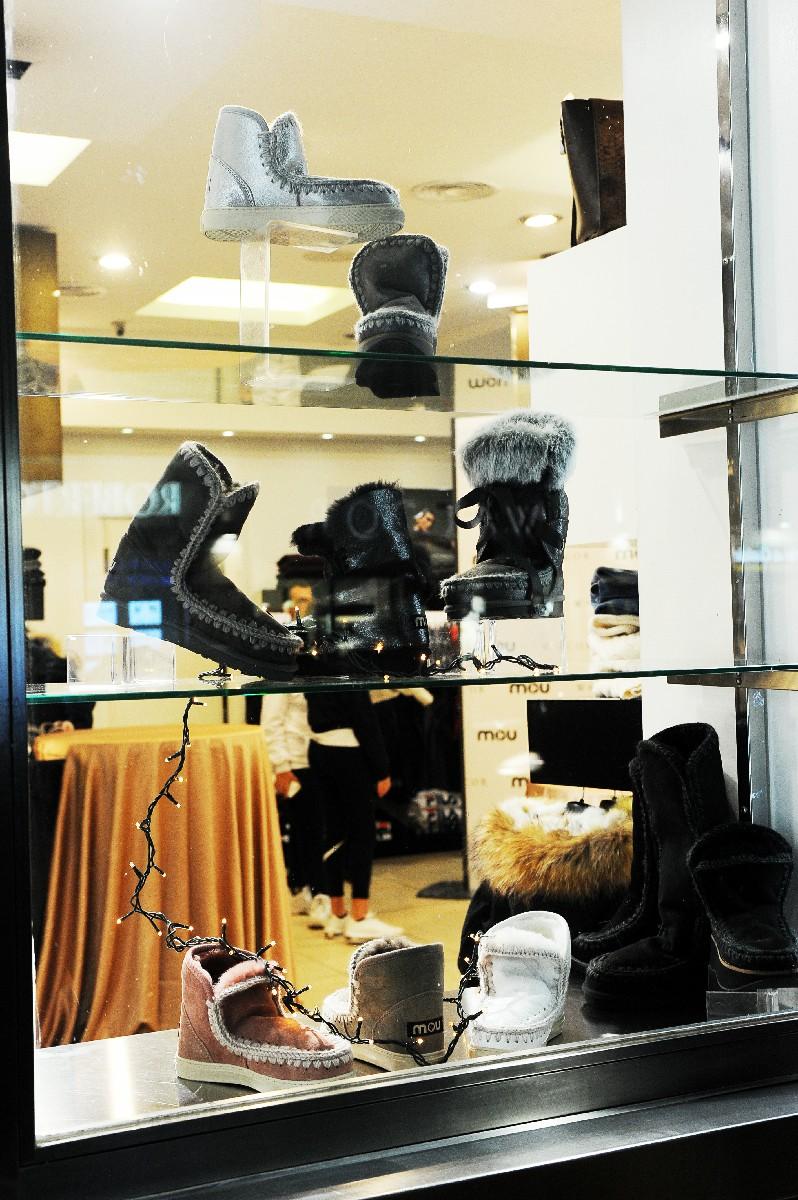 vetrina negozio moda inaugurazione Fotografo specializzato nuova apertura foto Roma Fotoflashteam