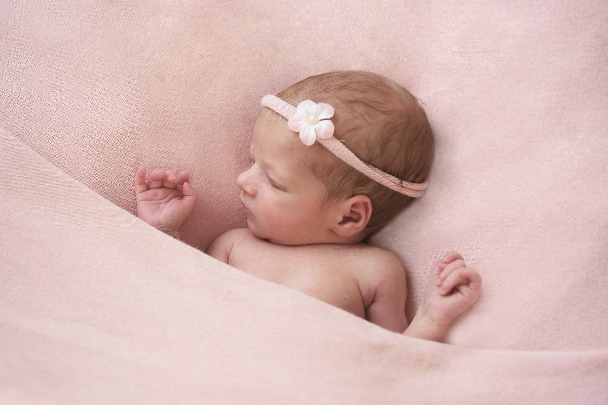book bambino appena nato fotografo specializzato neonato Fotoflashteam Roma